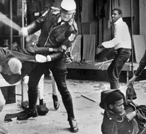 mlk-rebellion-memphis-1968-ap_kittycop